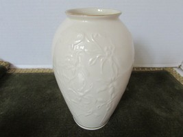 "LENOX FLORAL VASE 7.25"" TALL IRIS FLOWERS GOLD RIMMED MADE IN USA - $8.86"