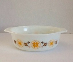 Pyrex Town & Country Casserole #043 1 1/2 Quart Orange/Brown No Lid - $13.85
