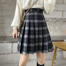 Women Girl Black Plaid Skirt Plus Size Fall Winter Pleated Plaid Skirt Outfit  image 2