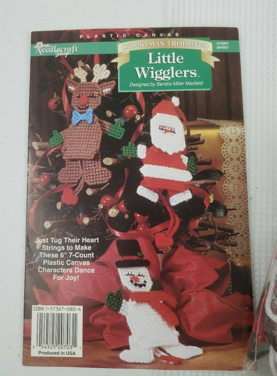 1996 Needlecraft Plastic Canvas Little Wigglers Christmas Cross Stitch Kit CUTE - $8.50