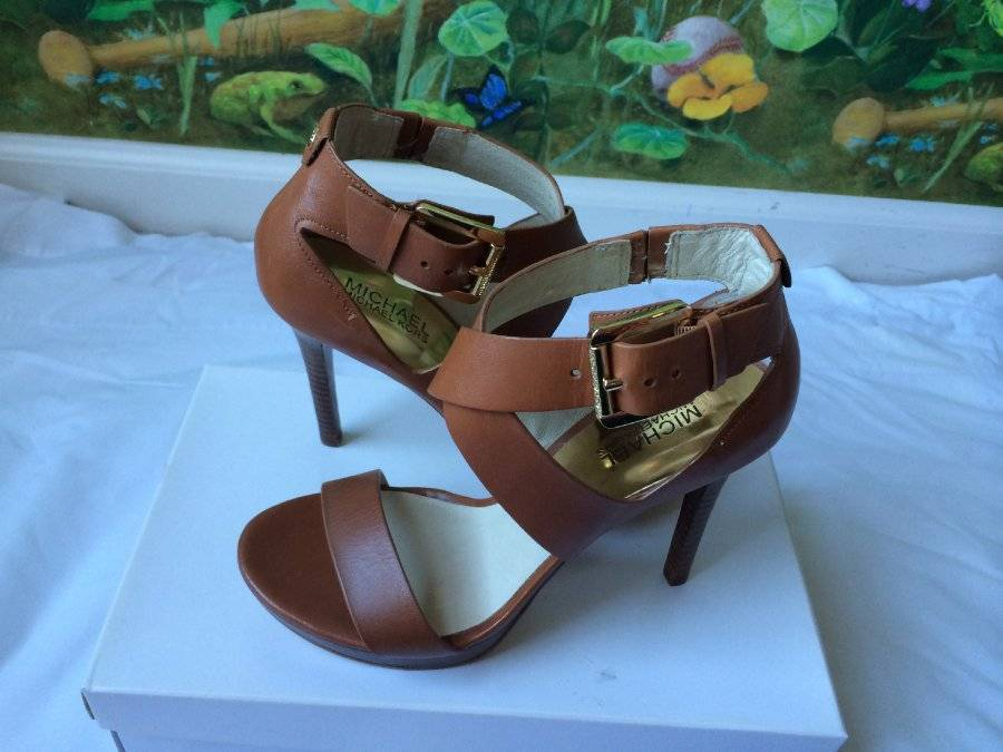 Primary image for Michael Kors Brown Leather Gold Logo Buckle Heels Sandal Shoes SZ 10M New