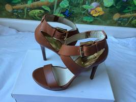 Michael Kors Brown Leather Gold Logo Buckle Heels Sandal Shoes SZ 10M New - $89.00