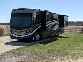 2017 Fleetwood Pace Arrow 35E For Sale In Falmouth, MI 49632 - $195,000.00