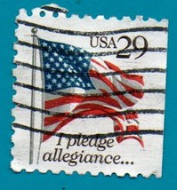 Scott  #2593  Used 29c US Postage Stamp (1992) Flag Over Pledge of Alleg... - $1.99