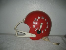 Vintage Spartus Football Helmet Plastic Electric wall Clock Red & white works - $49.49