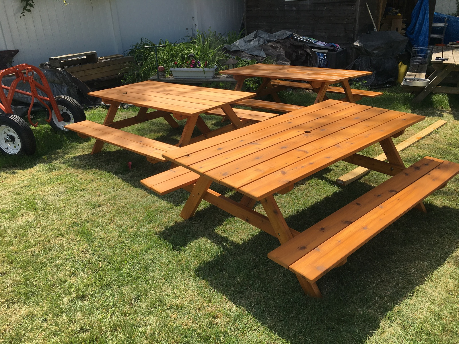 Picnic Table 6 foot cedar with oil finish. built to last, south New Jersey area.