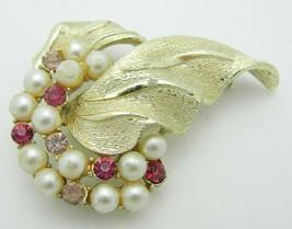 Gold Tone PEGASUS CORO Pink Rhinestone Faux Pearl Flower Pin Brooch - $13.86