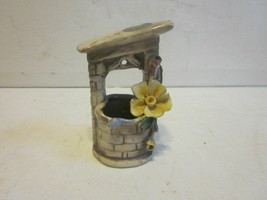 Vintage Porcelain Capodimonte Small Wishing Well - $9.99