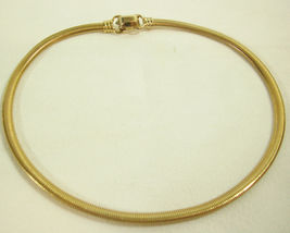 Coro Pegasus Gold Plate Omega Chain Choker Necklace Snake Stove Pipe Dainty Vntg image 4