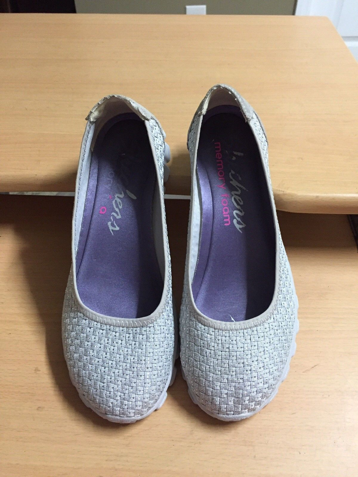 f575b9afe77 Skechers Ladies 7.5 Silver Woven Lightweight and 50 similar items. S l1600