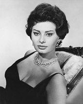 Sophia Loren Glamour Pose In Chair B&W 16x20 Canvas Giclee - $69.99
