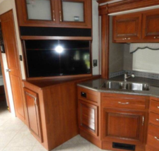 2015 HOLIDAY RAMBLER AMBASSADOR 38DBT For Sale In Nelsonville, OH 45764 image 4