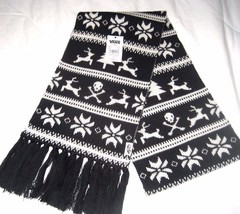 Vans Shoes Campfire Winter Scarf Black White Skulls Pattern OSFA NWT Shi... - $27.71