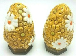 Vintage Fred Roberts Co Harvest Gold and White Daisies Salt & Pepper Sha... - $21.95