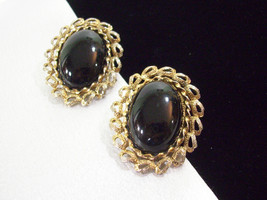 PAOLO Gucci Jet BLACK Oval Cabs Gold Plate Ornate Frame Clip on Earrings... - $34.64