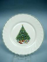 Salem China Noel Pattern Porcelle Dinner Plate - $7.70