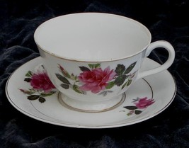 Nice Vintage China Footed Teacup and Saucer, VG COND - $19.79