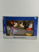 New Disney Mickey & Minnie Kissing Salt and Pepper Shakers Kitchen Decor (p) - $17.52