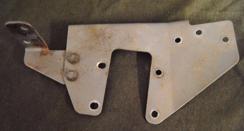 MTD White Outdoor 135H471F190 Pivot Bar Side Plate Left Hand 783-0255B-0637