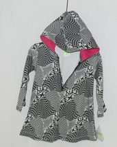 Snopea Childrens Geometric Design Black White Hot Pink Pullover Hooded Tunic 18M image 4