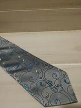 Van Heusen Men's Neck Tie Stain Resistant Gorgeous Business Dress Suit EUC - $12.64