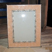 Pretty little Silver & Pink / Peach Metal Enamel Picture Frame Photograph  - $193,90 MXN