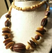 "Vintage Jewelry: 27"" Wooden Bead Necklace 2016111611 - $9.89"