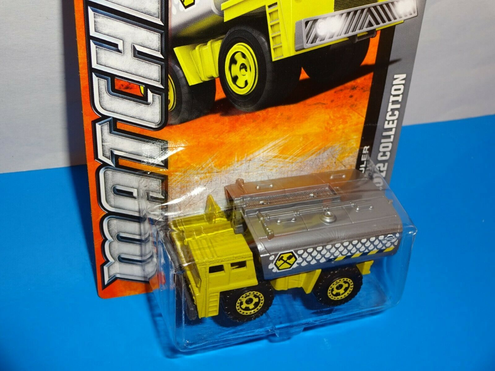 Matchbox 2012 Collection #34 Water Hauler Tank Truck Yellow & Gray image 2