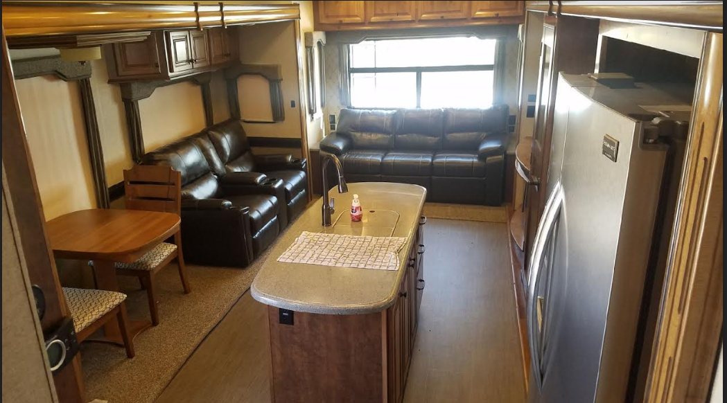 2017 Big Country fifth wheel FOR SALE IN Carver, MN 55315