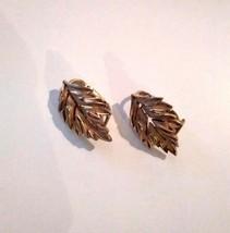 Vintage Trifari Leaf Design Gold Tone Clip On Costume Earrings - $25.51