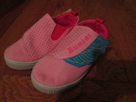 Toddler GirlsPink Angel Wing Canvas shoes Size 8 Brand New - $10.00