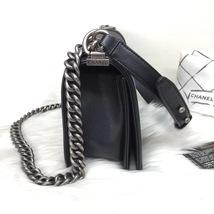 100% AUTHENTIC NEW CHANEL 2018 BLACK CAVIAR LEATHER MEDIUM BOY FLAP BAG RHW image 4