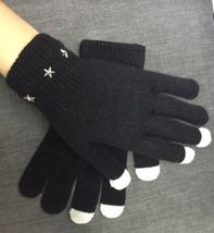 Touch screen gloves with star shaped spikes, unisex gloves, punk gloves - $193,37 MXN