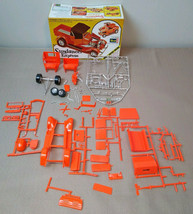 """1/25 Revell Sundance Express Build as """"29 Model A Pick-up phone booth, closed/op - $39.99"""