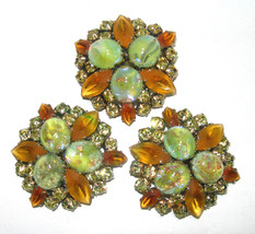 VINTAGE COLOR CHANGE SIGNED 47 GREEN YELLOW RHINESTONE BROOCH CLIP ON EA... - $395.00