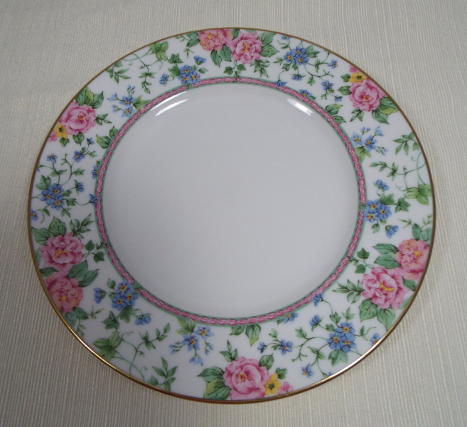 Primary image for Royal Doulton New Romance Collection Amelia One (1) Salad Plate
