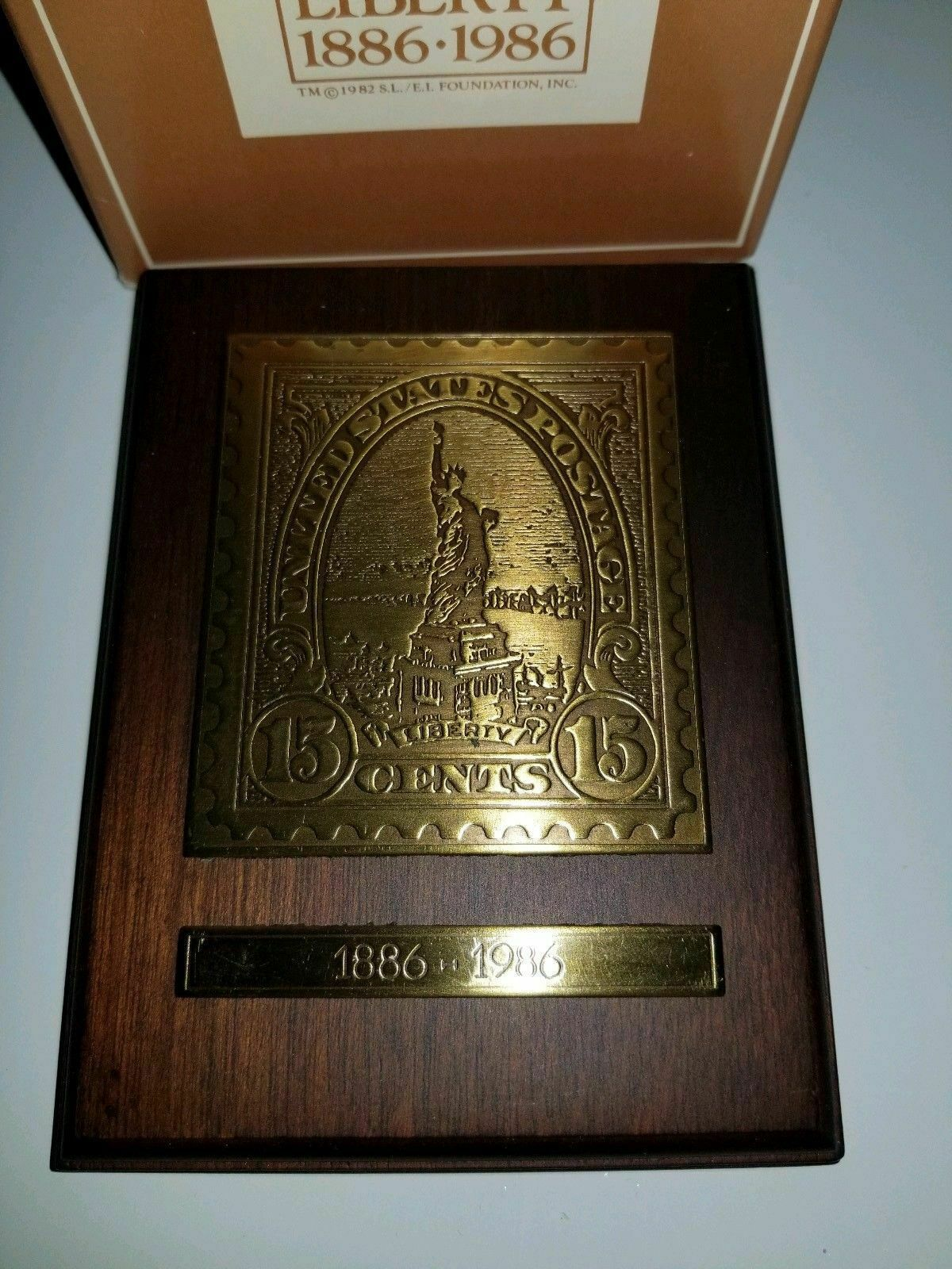 VINTAGE 1985 AVON BRASS STATUE OF LIBERTY STAMP PLAQUE ORIGINAL BOX