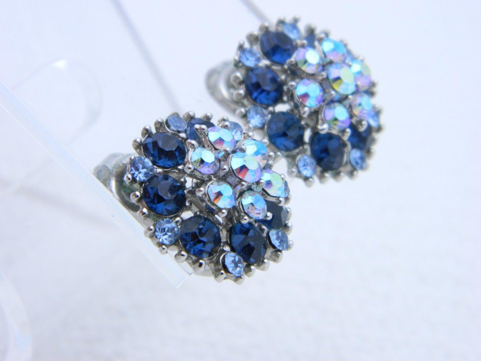 VTG CROWN TRIFARI Silver Tone Blue Rhinestone Flower Clip Earrings (B)