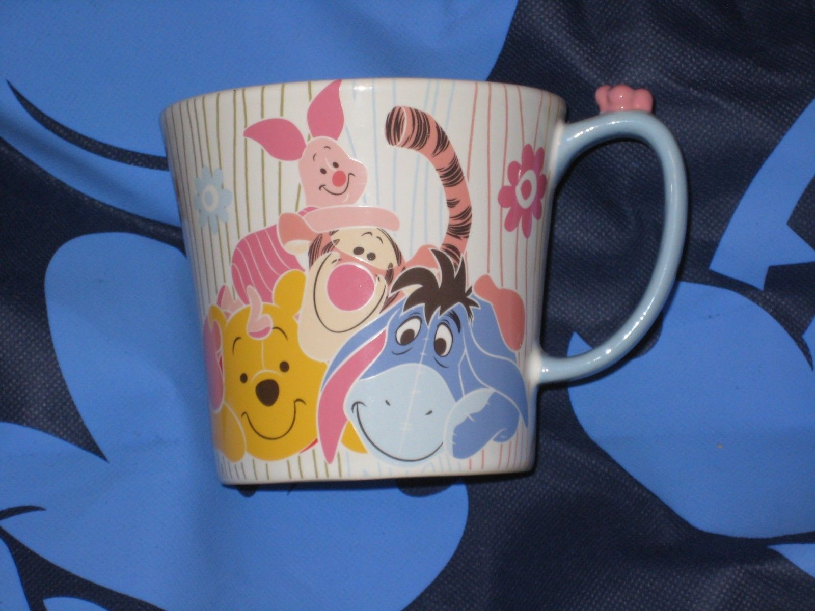 DISNEY STORE Winnie the Pooh COFFEE CUP/MUG. BRAND NEW.