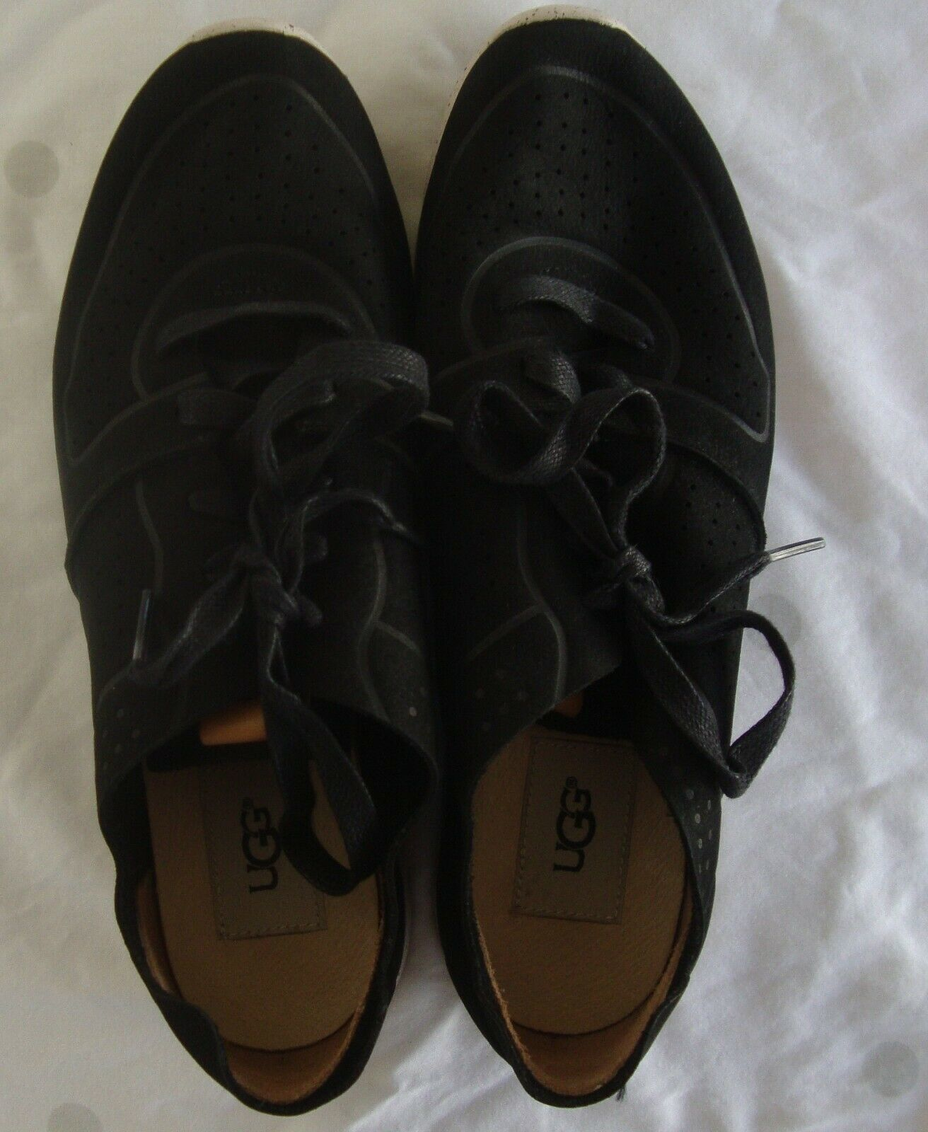UGG Treadlite Size 9 Black Leather Lace up Sneakers Shoes Womens Style # 1016674