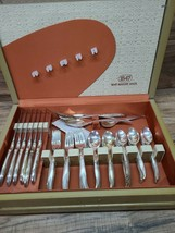1847 Rogers Brothers IS Flair Silverplate Silverware Flatware 75 Piece S... - $157.41