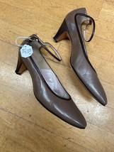 John Jerro Vintage Women's Heels Size 7.5 Aa Brown Leather Pumps - $20.89