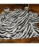 Men's FASHION NOVA Long Sleeve Black White Abstract Print Button Down Si... - $28.66