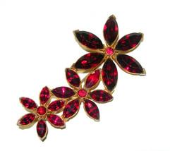 LONG VINTAGE DARK FUSCHIA RED RHINESTONE FLOWER STAR BROOCH PIN GOLD TONE - $40.00