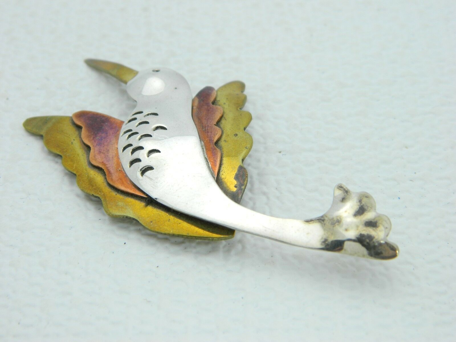 VTG FAR ETCHED Multi-Tone Multi-Metal Bird Pin Brooch