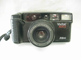 Vivitar 300Z Auto Focus Zoom Lens 35mm Camera with Built-In Flash  - $14.84