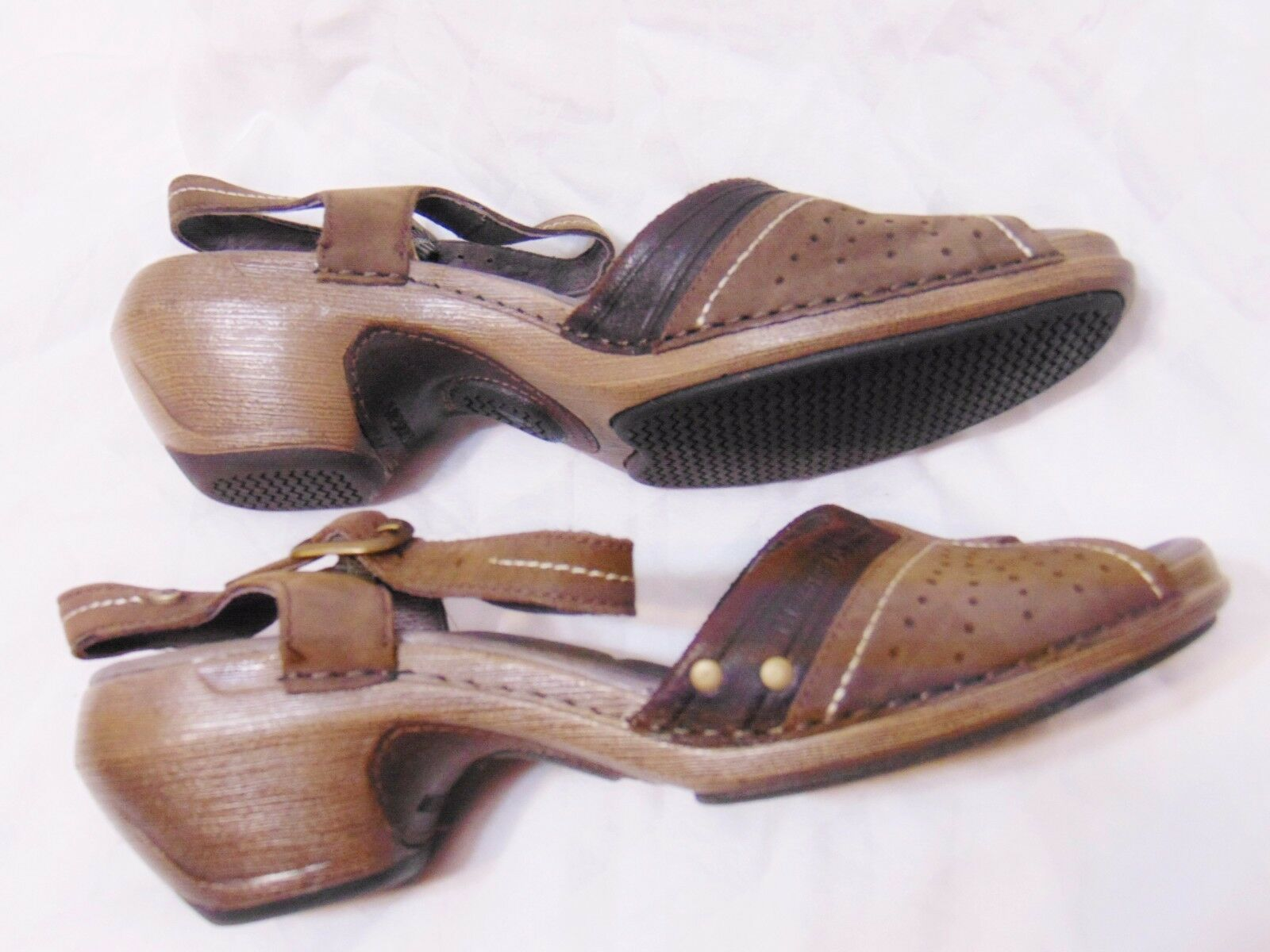 MERRELL Luxe Strap Mid Heel Sandals Shoes Sz 7 Coffee/Brown Leather Walking Work
