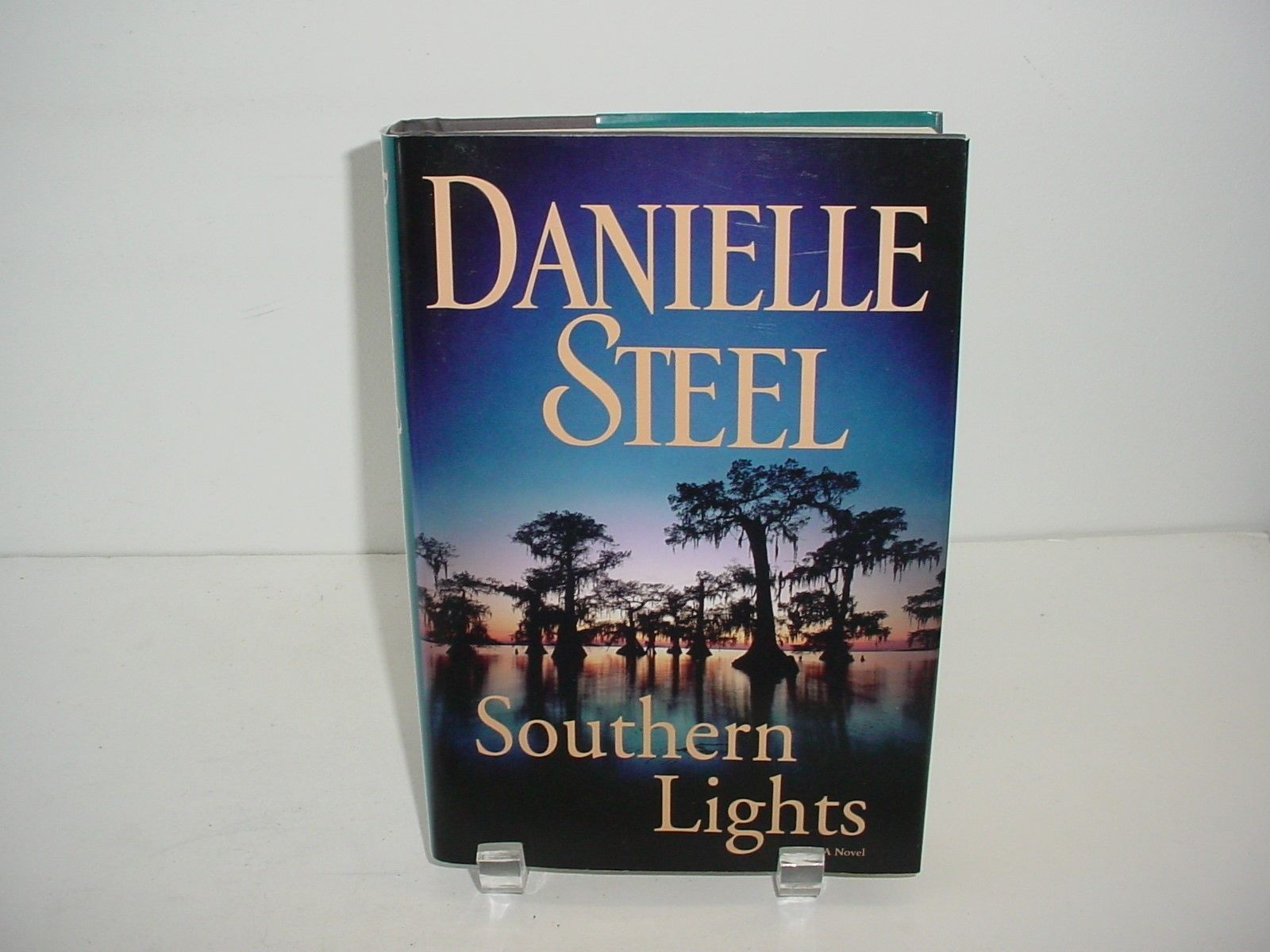 Primary image for Southern Lights by Danielle Steel (2009, Hardcover) Novel Book