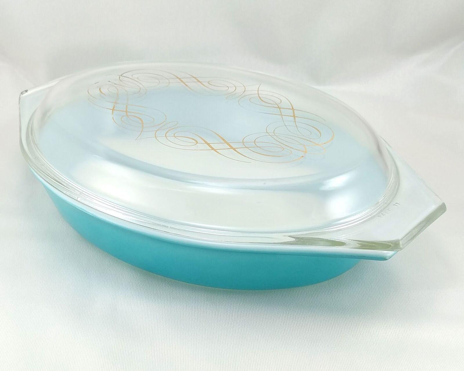 Pyrex Turquoise Oval Princess 1½ qt Casserole Dish Gold Color Scroll 945C Lid