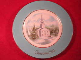 """9"""" Porcelain Collector Plate CHRISTMAS 1974 Country Church AVON [Z251] - $5.76"""